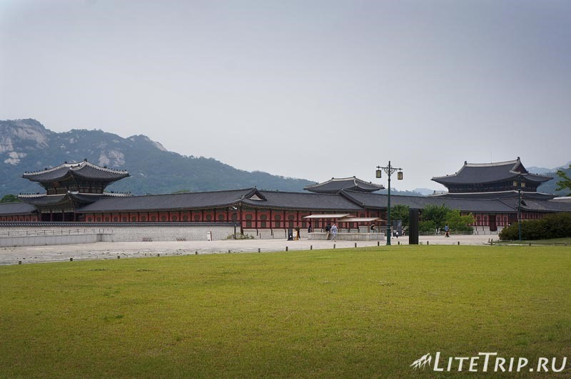 Южная Корея. Дворец Кенбоккун в Сеуле - общий вид.