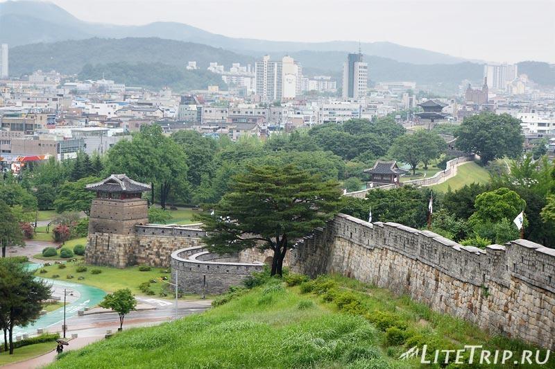 Южная Корея. Крепость Хвасон в Сувоне - стены.