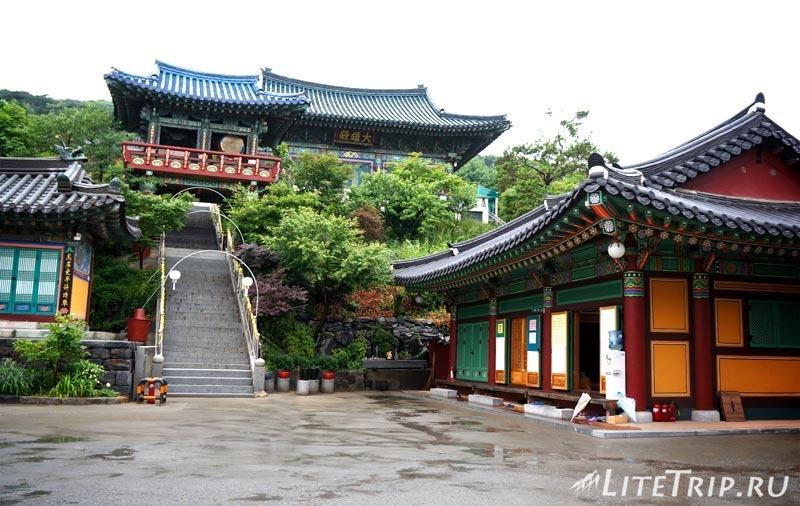 Южная Корея. Сувон - городской храм.