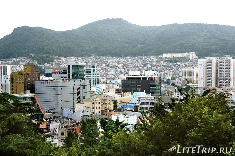 Южная Корея. Пусан. Парк Ёндусан - вид на город.