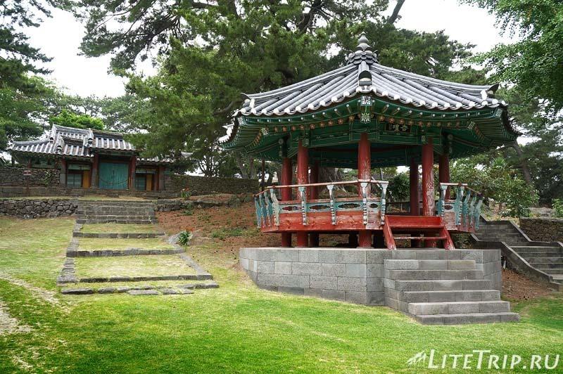 Южная Корея. Джеджу - конфуцианская школа Hyanggyo.