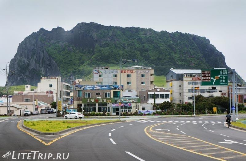 Южная Корея. Джеджу - подходим к вулкану Сеонсан.