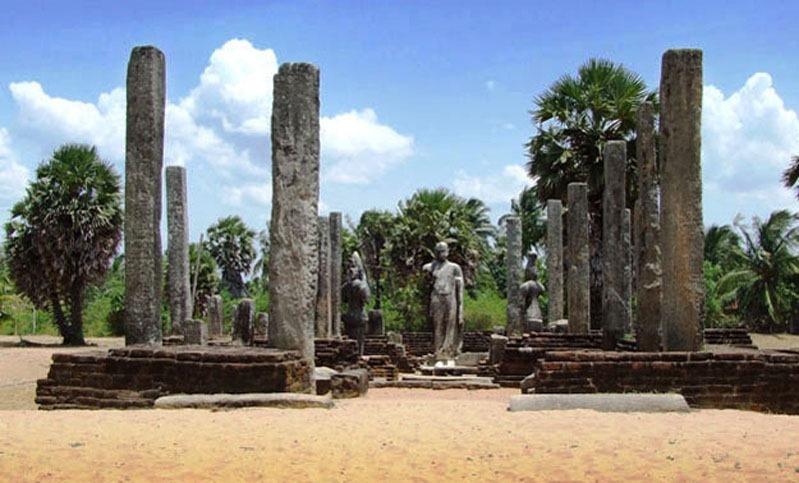 Шри-Ланка. Поттувил. Храм Мухуду Маха Вихара.
