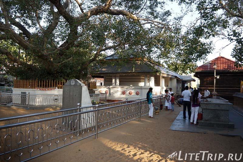 Шри-Ланка. Храм Катарагама.