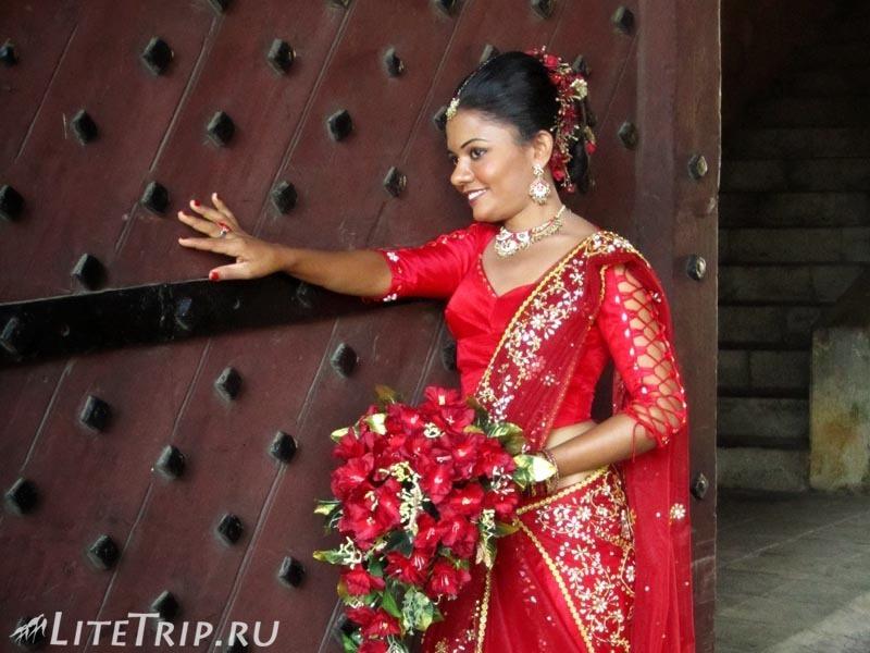 Шри-Ланка. По улицам форта Галле - свадьба.
