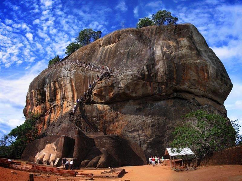 Шри-Ланка. Сигирия. Скала.