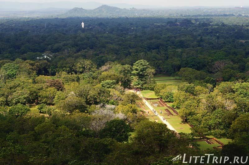 Шри-Ланка. Сигирия. Вид со скалы.