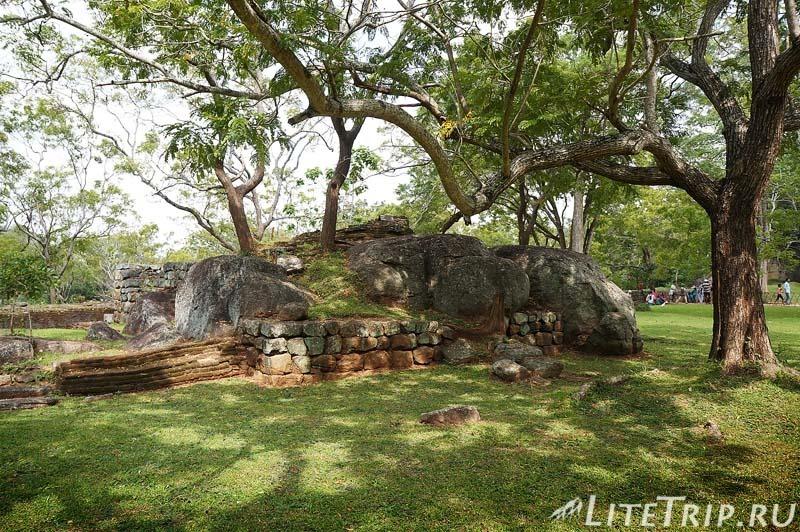 Шри-Ланка. Сигирия. Королевские сады.
