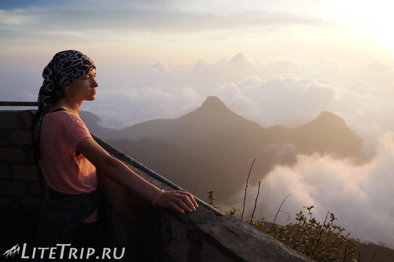 Шри-Ланка. Вид с вершины пика Адама.