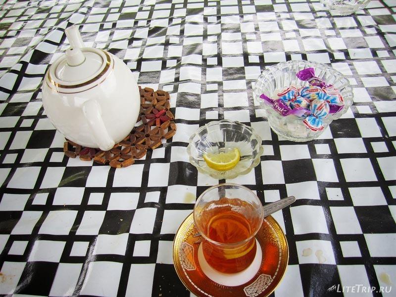 Азербайджан. Завтрак в Кахи.