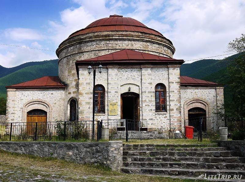 Азербайджан. Город Шеки - музей внутри крепости.