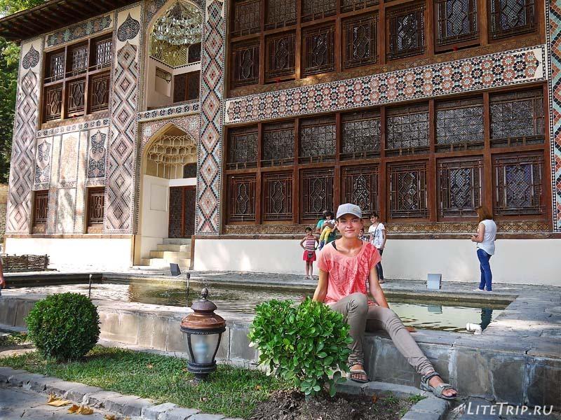 Азербайджан. Хан Сарай в городе Шеки - двор.