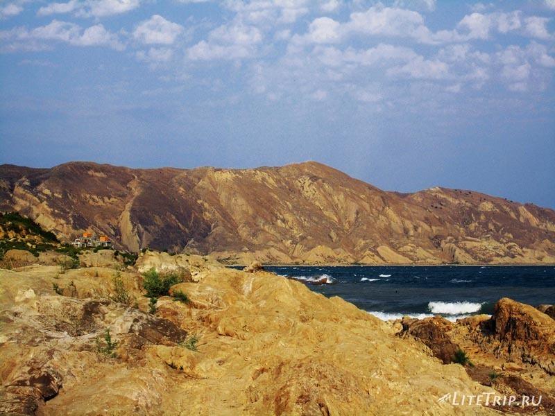 Азербайджан. Мингечаурское водохранилище. Песчаные горы.
