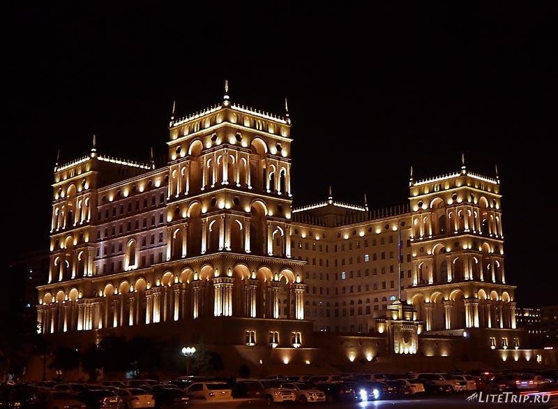 Азербайджан. Здание администрации в Баку.