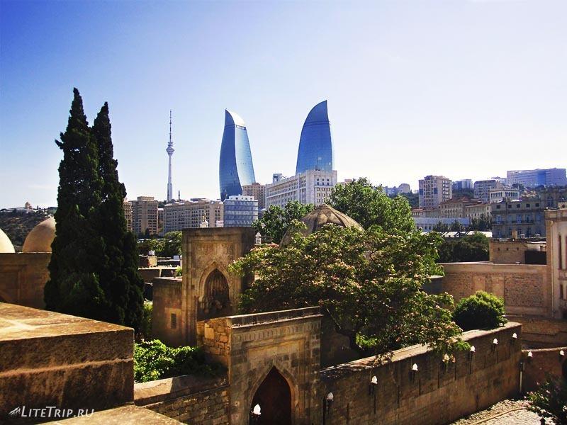 Азербайджан. Вид со стен дворца Шиваншахов.