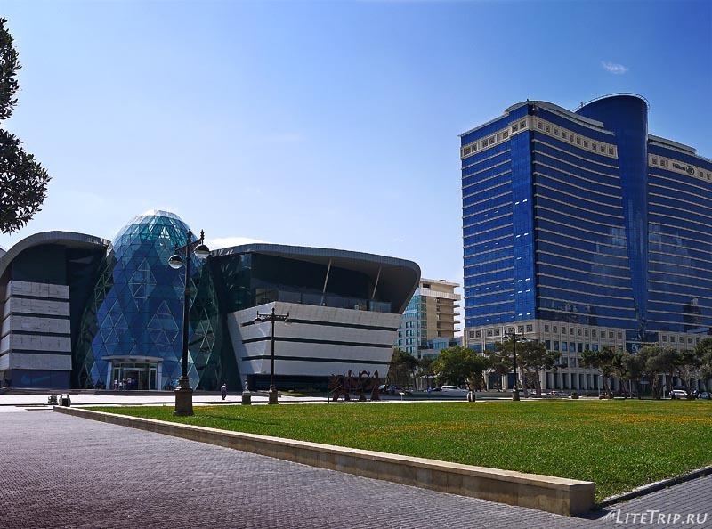 Азербайджан. Отель - место встери в Баку.