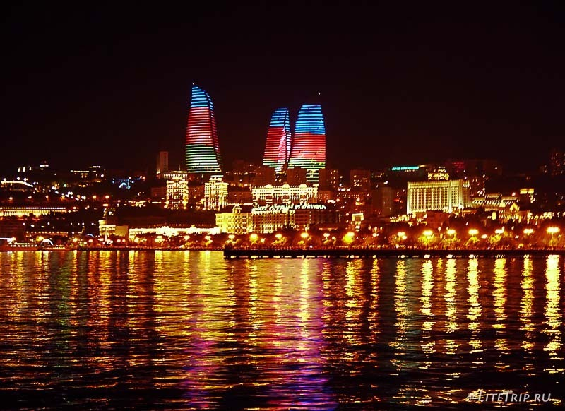 Азербайджан. Пламенные башни Баку - флаг.