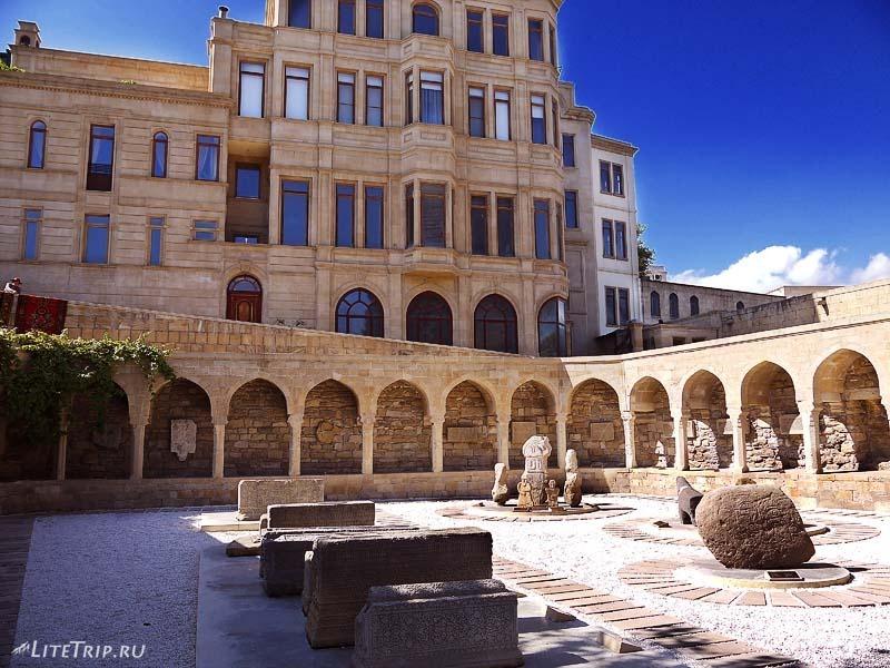 Азербайджан. Старый город (Ичери-Шехер) в Баку.