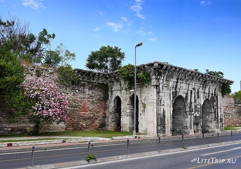 Турция. Побережье Стамбула - крепость