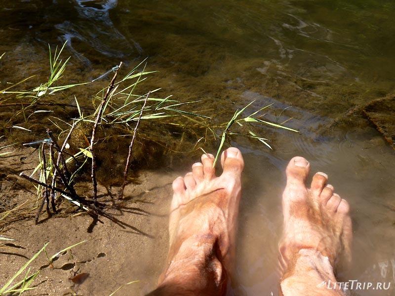 Турция. Отдых у реки после спуска в каньон Ихлара.