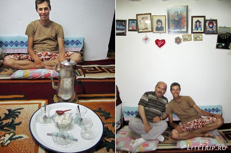 В гостях у турецкой семьи дома.