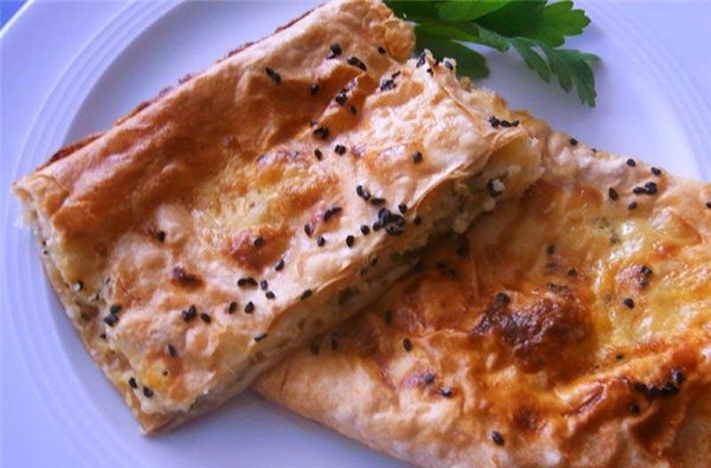 Турецкий бёрек с сыром.