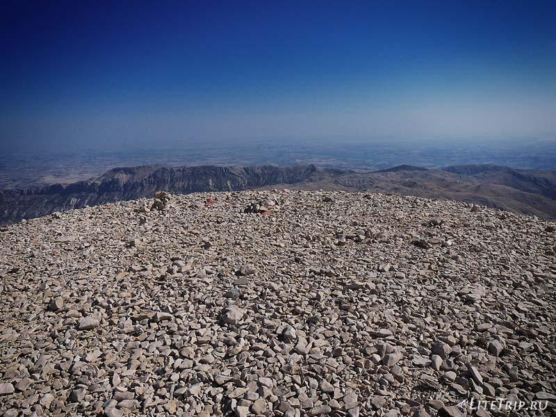 Турция. Немрут Даги - вершина горы.