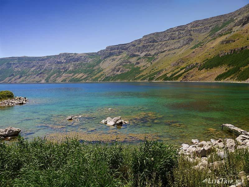 Турция. Немрут - большое озеро.