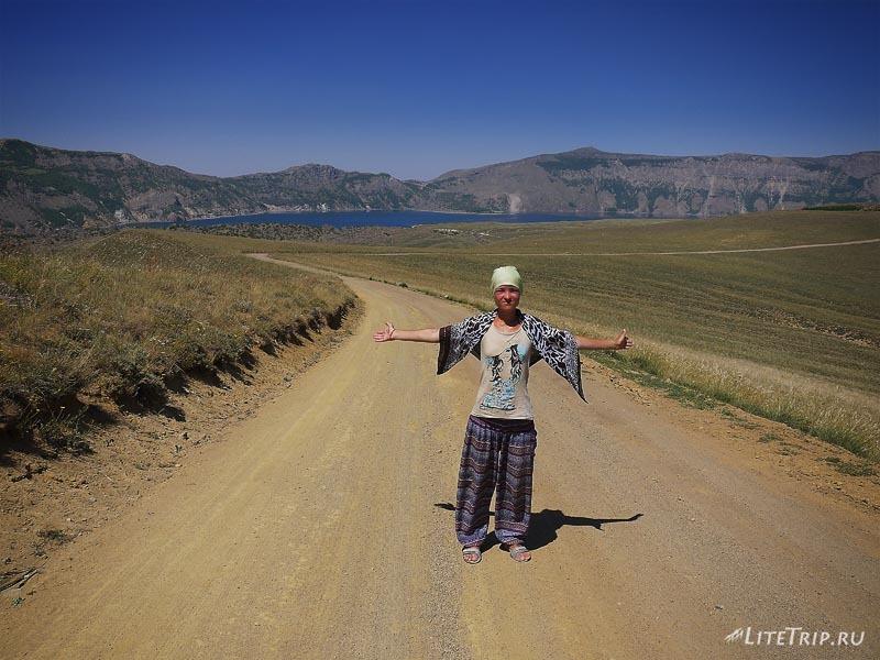 Турция. Немрут - дорога к теплому озеру.