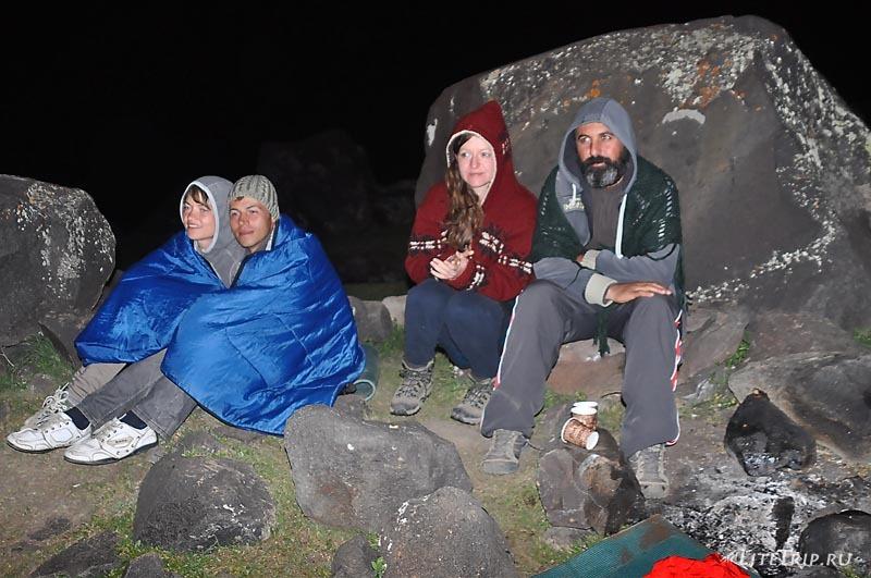 Турция. Вечер в лагере на Арарате - холодно.