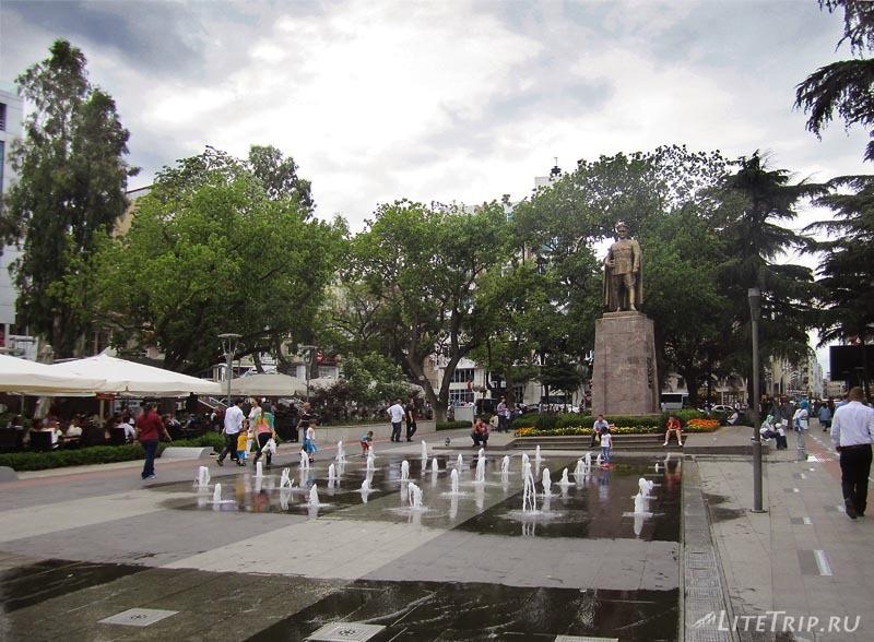 Турция. Центр города Трабзон - фонтан.