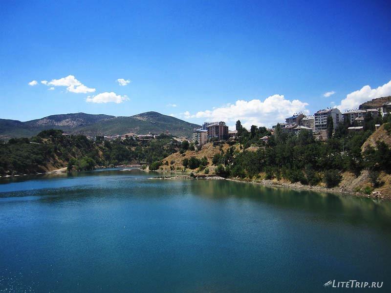 Турция. Озеро в Тунджели