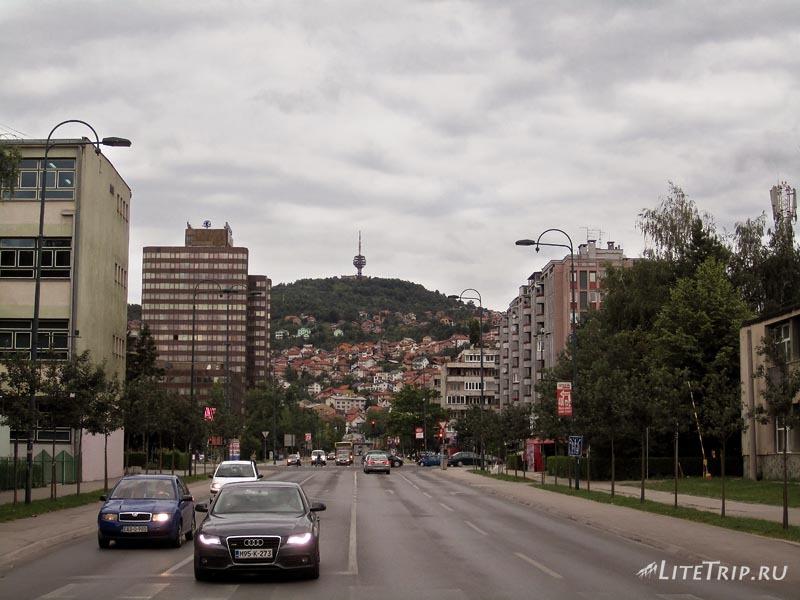 Босния и Герцеговина. Въезд в столицу Сараево.