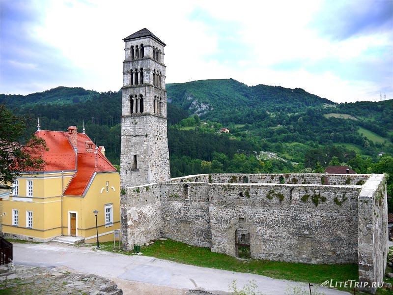 Босния и Герцеговина. Башня крепости в Яйце.