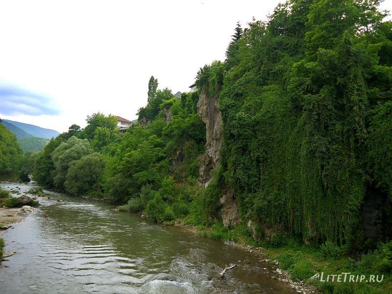 Босния и Герцеговина. Водопад под крепостью в Яйце.