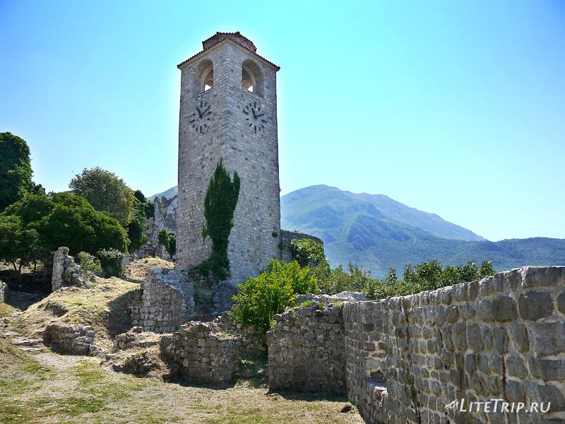 Черногория. Башня крепости Старого Бара.