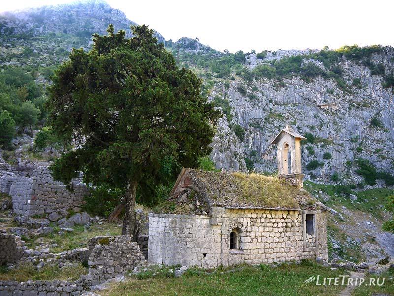 Черногория. Крепость в Которе - церковь