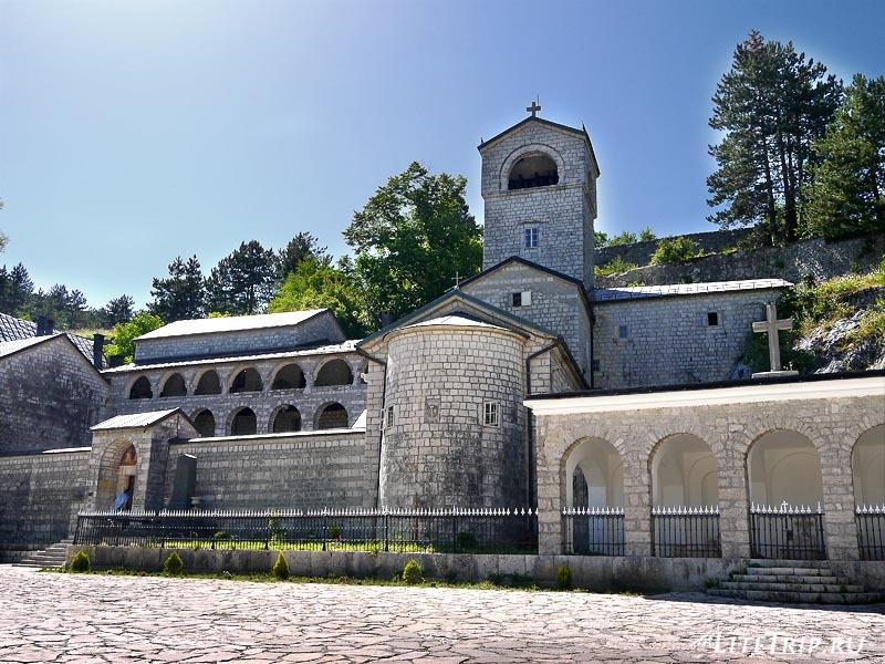 Черногория. Цетиньский монастырь.