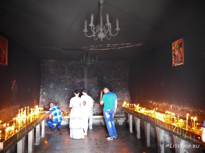 Черногория. Черная комната в Остроге.