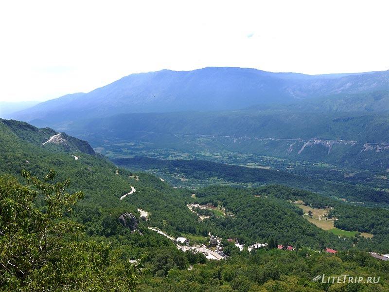 Черногория. Вид с острожского монастыря.