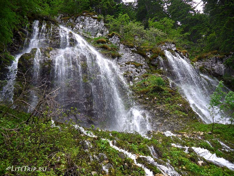 Черногория. Черное озеро - водопад