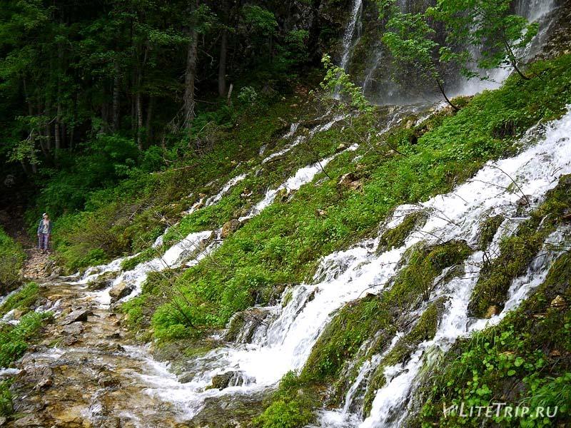 Черногория. Черное озеро - тропа через водопад