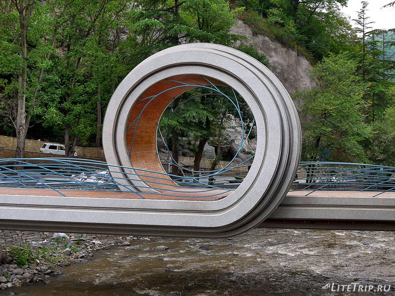 Мост-завитушка в Боржоми