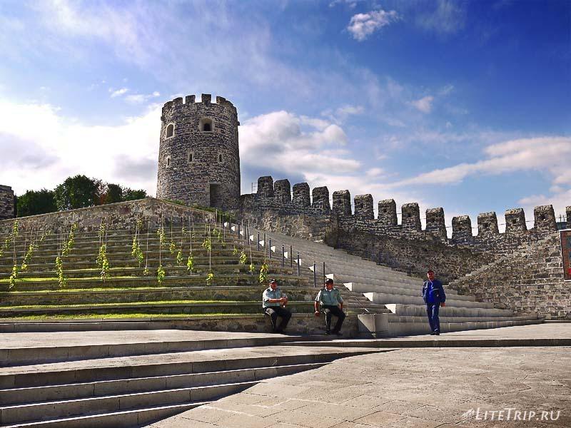 Грузия. Ахалцихе - вход в крепость Рабат.