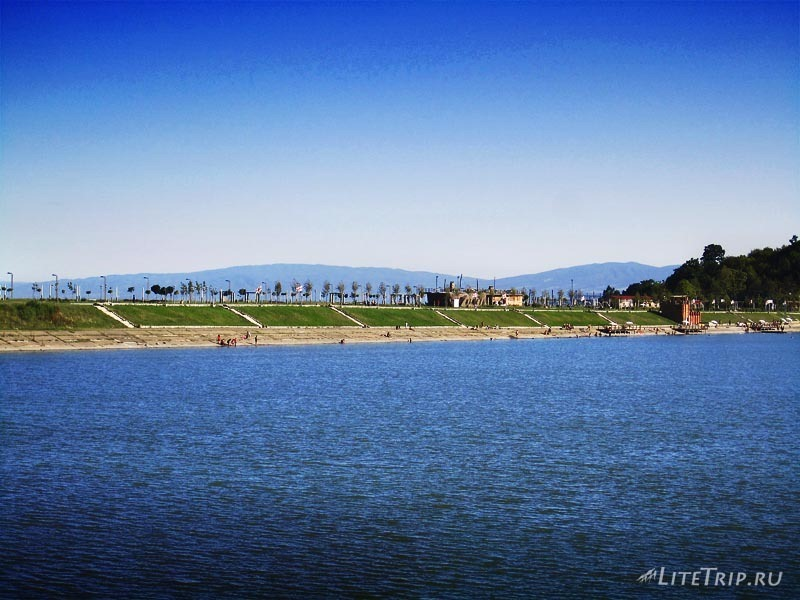 Грузия. Озеро Илия в Кварели - пляж.