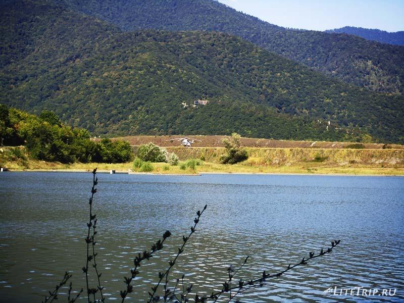 Грузия. Озеро Илия в Кварели - вертолет.