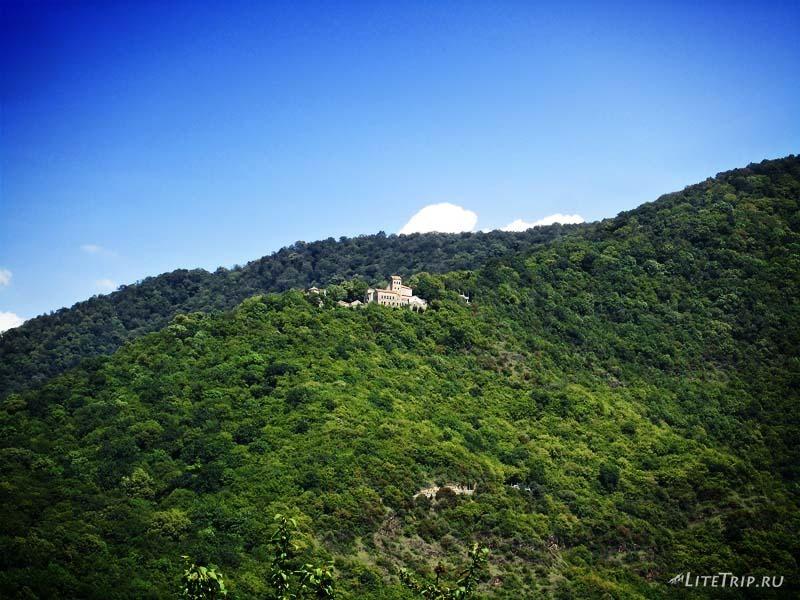 Грузия. Некреси - монастырь в горах.