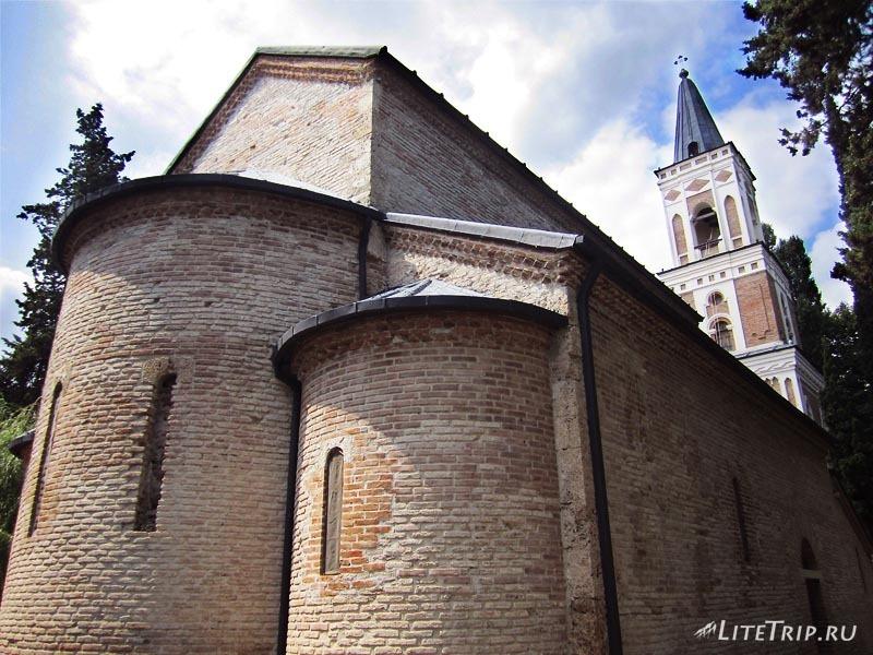 Грузия. Монастырь святой Нино Бодбе.