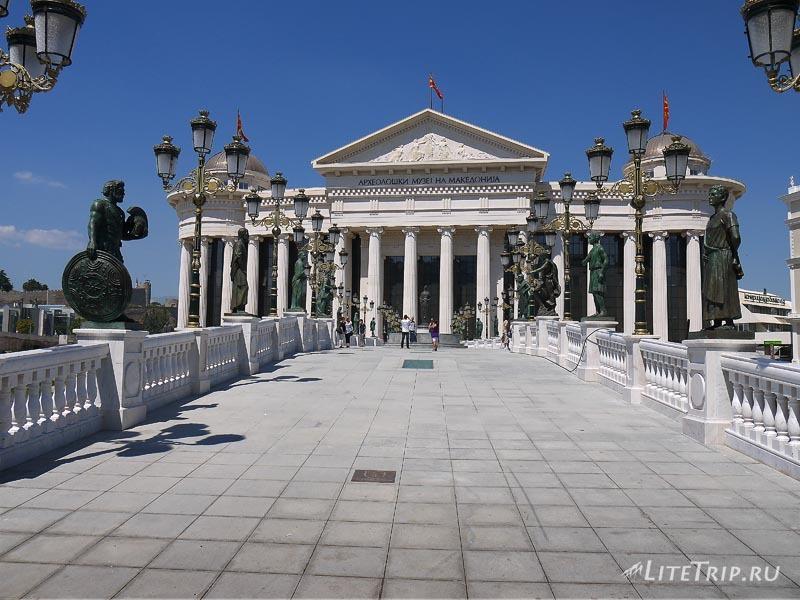 Македония. По улицам Скопье.
