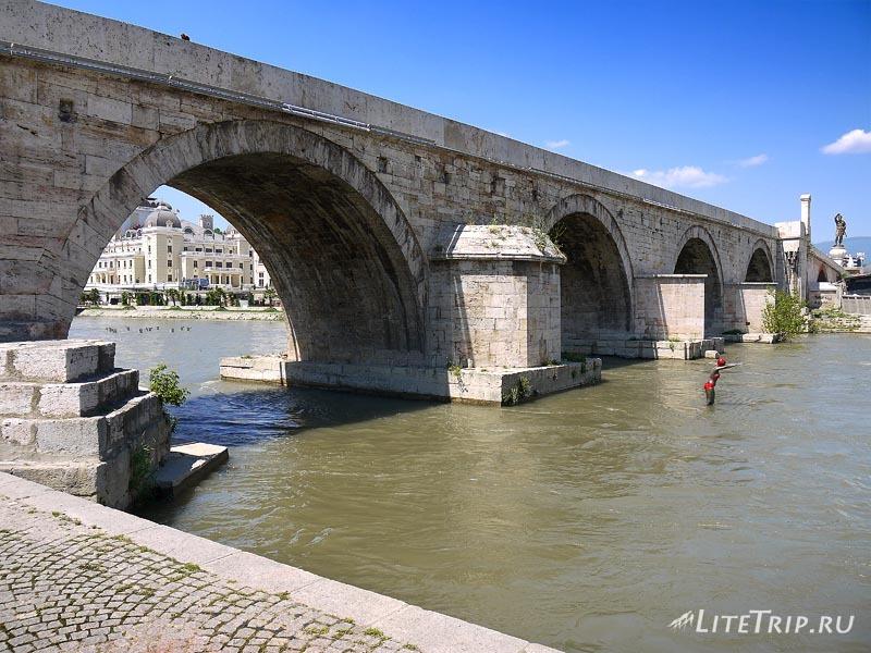 Македония. Мост в Скопье.